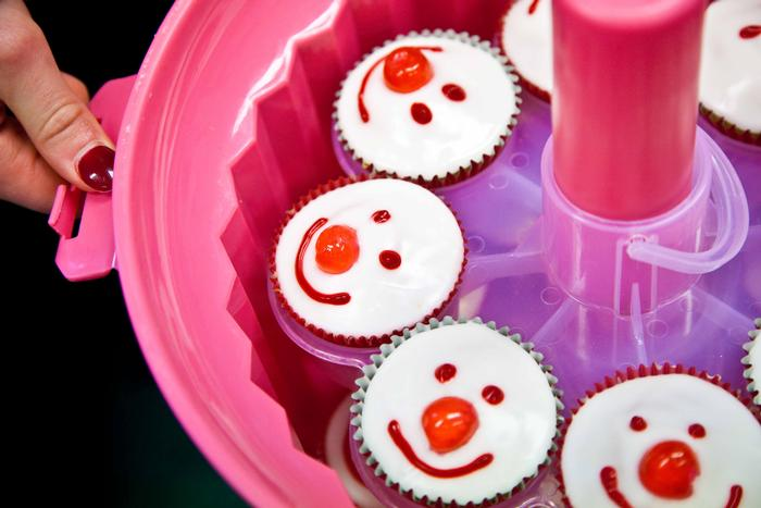 Red nose day cupcakes ideas