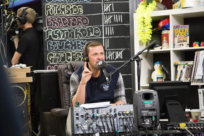 DJ Scott Mills hosting his show from the Students' Union bar