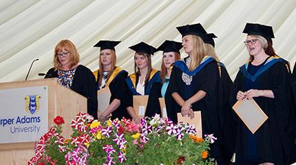 Graduating veterinary nurses urged to wear badge with pride