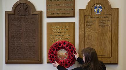 Dedication of new memorial to alumni who fell in First World War
