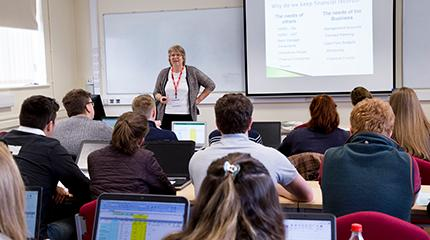 Students welcome guest lecturers for farm business module built upon real-life scenarios