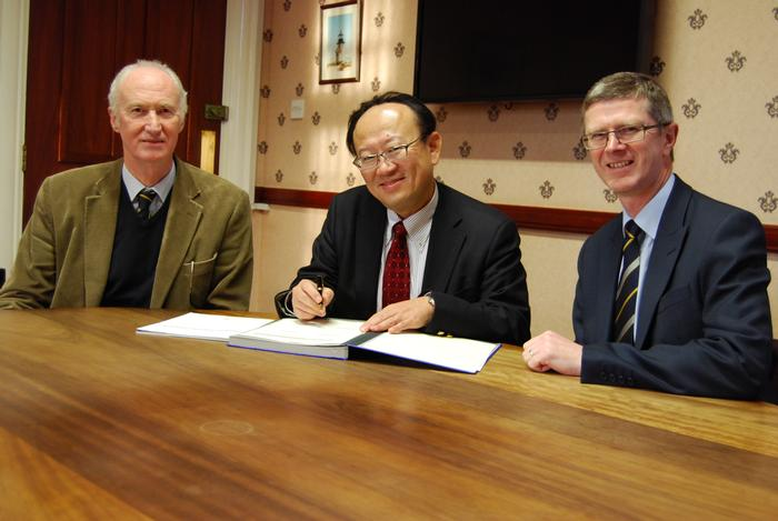 Professor Blackmore, Professor Noguchi and Dr David Llewellyn