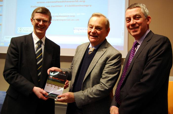 Dr David Llewellyn, Sir Gordon and Professor Peter Mills