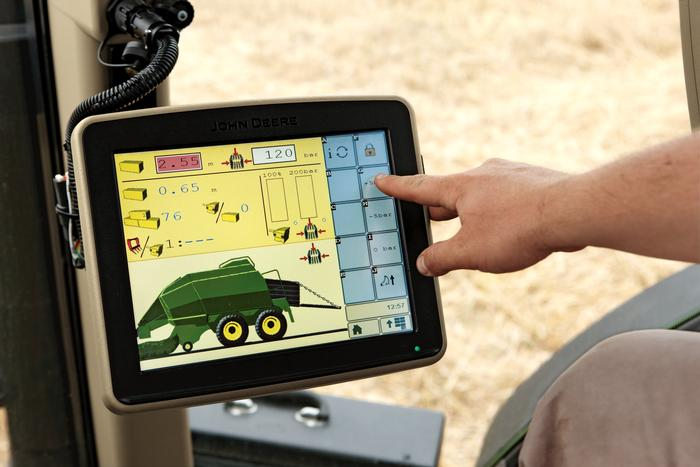Displays are an essential requirement for executing precision farming applications. Copyright Deere & Company.