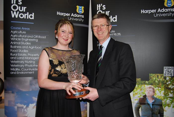 Niamh Molloy receives the President's Prize from Harper Adams University Vice-Chancellor, Dr David Llewellyn