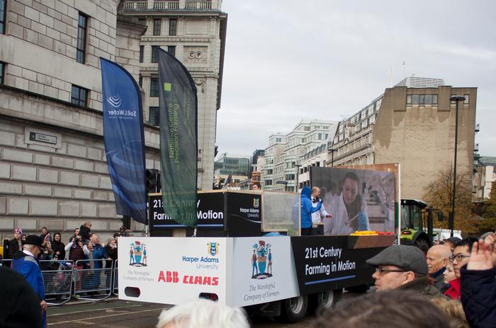The 21st Century Farming exhibit moves through the streets of London. Click on photos to enlarge.