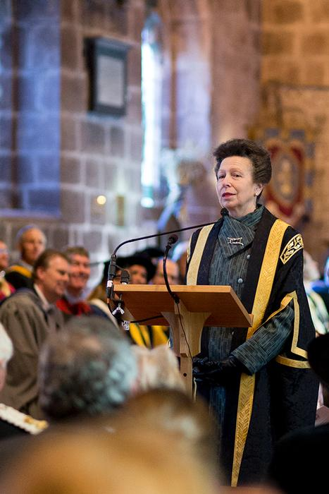 The new Chancellor addresses the congregation