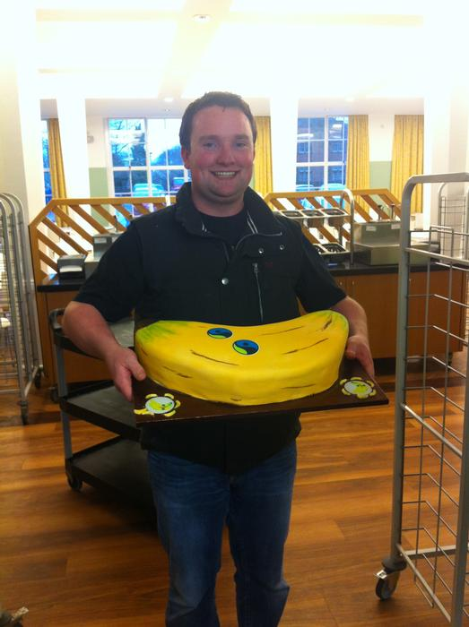 Cormac Flaherty with the 6.4kg banana cake