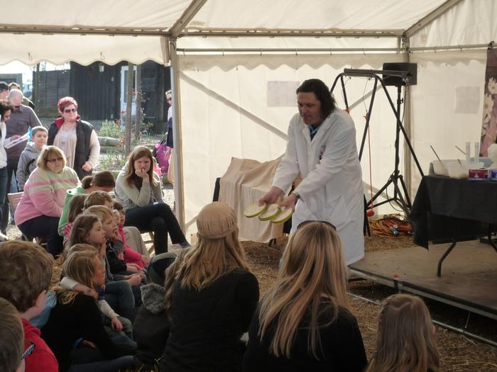 Dr Reade delivering 'the science of bread' workshop to visitors at Jimmy's Farm in Ipswich