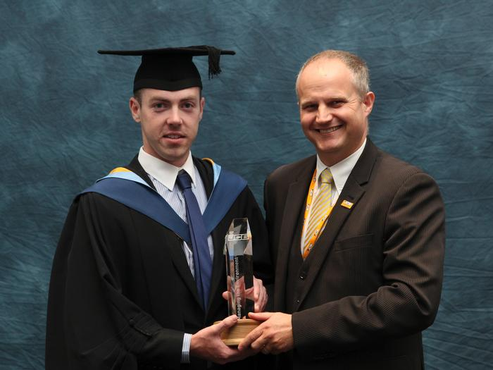 Anthony Robb, 23, from Lifford, County Donegal, receives the JCB Managing the Environment Prize, from Simon Wood, Technical Excellence Leader at JCB. Anthony recently graduated with a BSc (Hons) Countryside and Environmental Management degree from Harper Adams University. He received the prize for being the final year honours degree student who displayed the best all round performance in terms of academic excellence and contribution to the countryside and the environment.