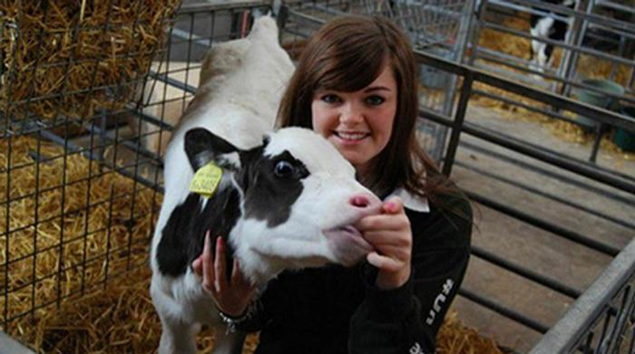 Animal behaviour and welfare student Jodie Hill