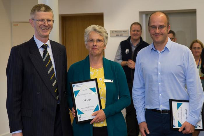 Kath Leigh and Terry Pickthall receiving their joint Innovation and Sharing award