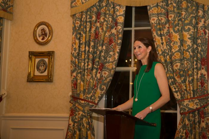 Annie Coleman speaking to the audience at the Harper Ireland dinner
