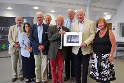 Tony Burgess (L) presents the gift to Peter Geldart. Pictured with trustees from the CLA Charitable Trust and the Harper Adams Development Trust