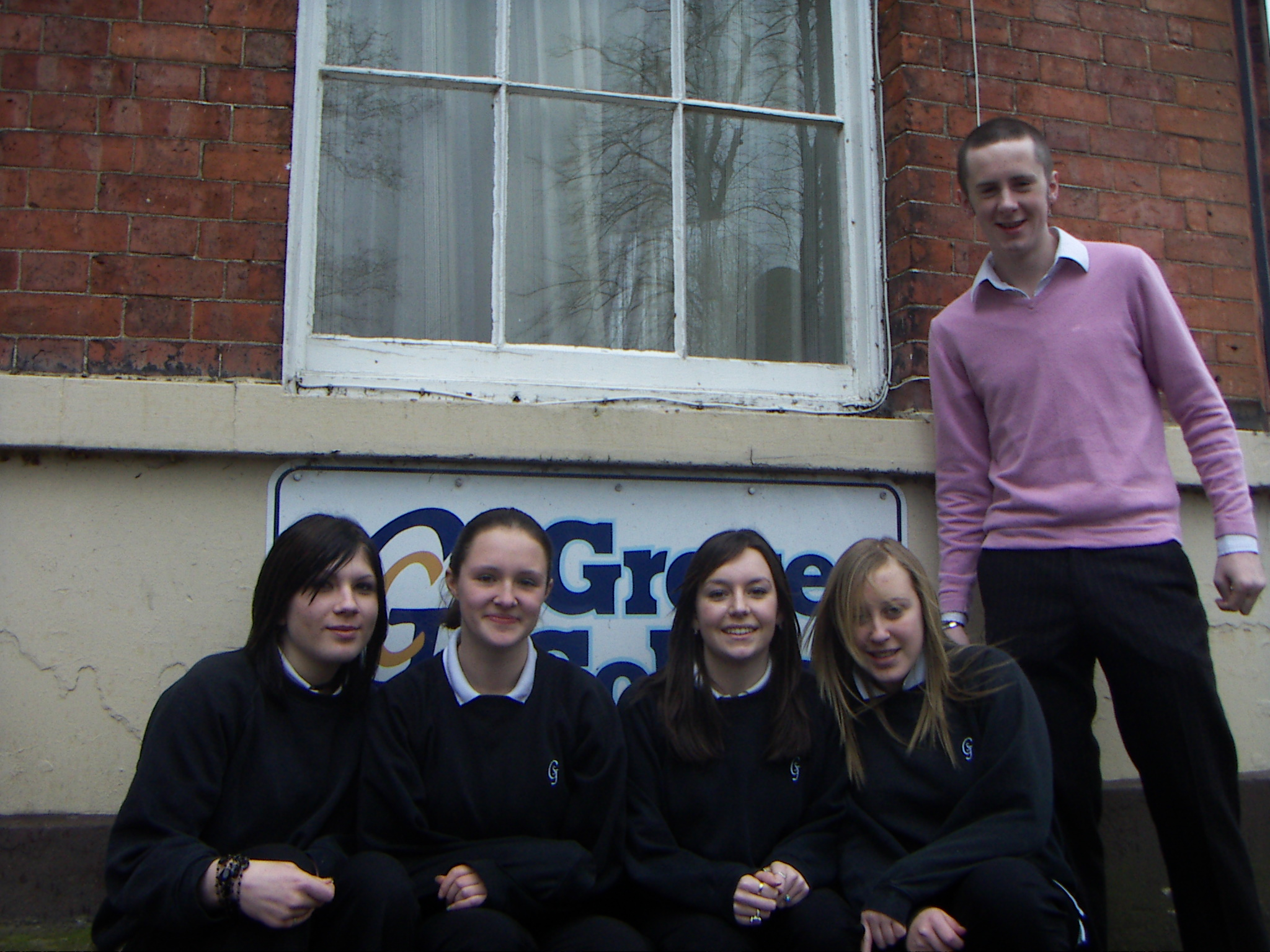 Charlie Smith, 15, Lydia Beresford, 15, Anna Taply, 14, Jade Millington, 15, with Mentor Paul White.